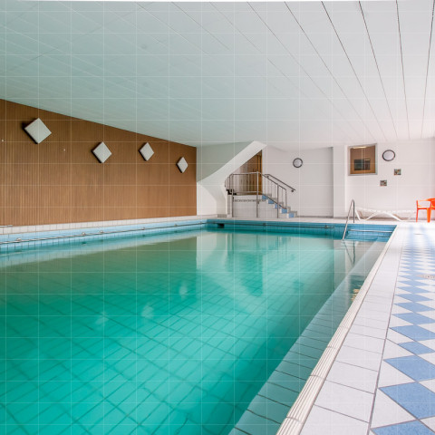 Therapeutisches Schwimmbad